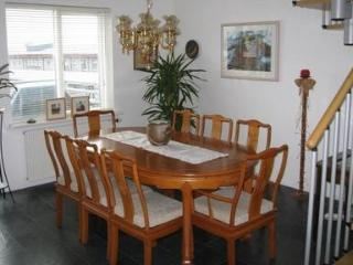 Bright, Cozy and Modern Apartment in Downtown Reykjavik - 1522 - Reykjavik vacation rentals