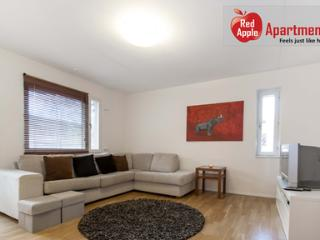 Comfortable Apartment 20 min from the City Center! Close to Metro. - 2415 - Sundbyberg vacation rentals