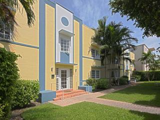 Classic Art Deco with Free Parking - Miami Beach vacation rentals