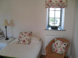 Romantic Bed and Breakfast with Internet Access and Satellite Or Cable TV - Porthcawl vacation rentals