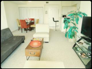 5 Star Condo - 1 Block to Beach - Relax & Enjoy!! - Sunny Isles Beach vacation rentals