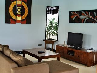 Villa Cannes - 2 bedroom Pool Villa with a short walk to Choeng Mon Beach - Choeng Mon vacation rentals