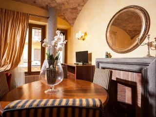 Super cool apartment for 5 people, Spanish Steps - Rome vacation rentals