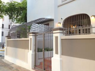 ** Newly Remodeled ** Artist's Urban Garden Apartm - San Juan vacation rentals