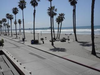 Front row, directly in front of the beach-AMAZING - Oceanside vacation rentals