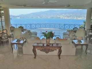 ACA -  BAL05  - A sumptuous getaway in the most sought after neighborhood of Acapulco - Acapulco vacation rentals