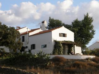 'Tumbleweed Barn' Idyllic Rural Retreat in Picturesque Rural Hamlet - Costa de Lisboa vacation rentals