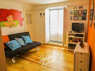 Santa Marinha C - Ideally located Studio at Alfama - Lisbon vacation rentals