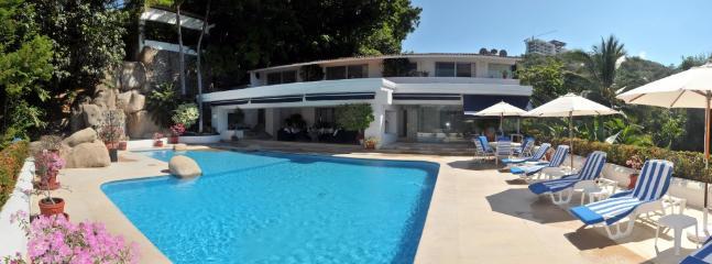 ACA - LTZ05 The comforts of modern life among lush tropical vegetation. - Image 1 - Acapulco - rentals