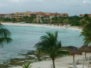 Lovely 1 bedroom condo with superb views! - Puerto Aventuras vacation rentals