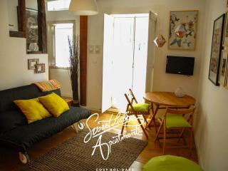Santa Marinha B - studio apartment in Lisbon - Lisbon vacation rentals
