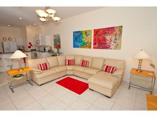 LIVING AREA THROUGH TO KITCHEN - VILLA MODERNE 5* 4 BED 4 BATH SOUTH FACING VILLA - Orlando - rentals
