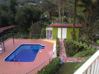Casa de Campo La Jibarita! (sleeps - 15) - Orocovis vacation rentals
