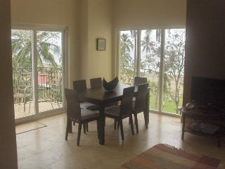Beautiful Condo with Deck and Internet Access - Cartago vacation rentals