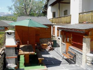CHALETCERDAN, your charming & peaceful vacation rental for 6 people with Ski locker, sauna, BBQ and fireplace - Orlu vacation rentals