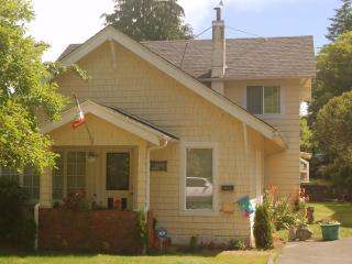 Comfortable 3 bedroom Cottage in Westlake - Westlake vacation rentals