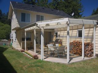 Comfortable Cottage with Internet Access and Dishwasher - Westlake vacation rentals