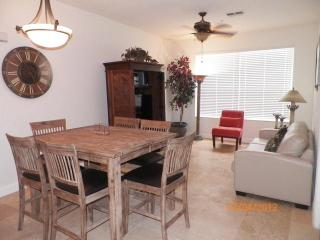 Great 2/ 2 condo minutes from Disney - WiFi - Kissimmee vacation rentals