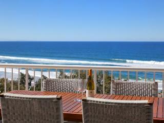 Private walking track to Sunrise beach - Sunrise Beach vacation rentals