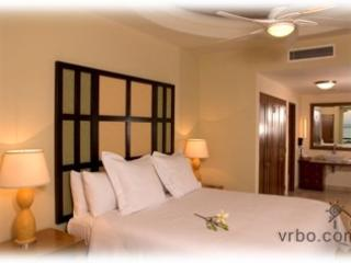 X-Mas or New Years at Cabo Villas - 1 bdrm. $1100 - Cabo San Lucas vacation rentals