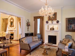 Luxury Living Savannah - Wedding Cake Mansion - Savannah vacation rentals