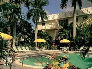 Walk to Beach, Shops and Restaurantsa - Fort Lauderdale vacation rentals
