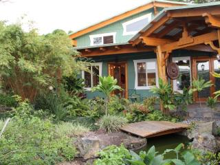 Sunset Suite w/ Ocean View -  Big Island Farmstay - Kealakekua vacation rentals