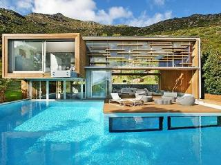 The Spa House - An Elegant & Ultramodern Retreat with Amazing Panoramic Views - Hout Bay vacation rentals