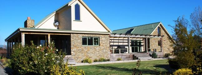 Front view of House - The Martinborough Stone House B&B - Martinborough - rentals