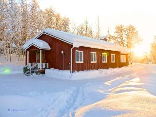 Stora Björnstugan - Big Bear Cabin in Laisvallby - Norrbotten vacation rentals