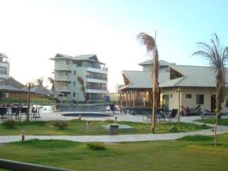Apto Com  2 Suítes Acomoda Até 4 Pessoas Em Frente A Praia, Próximo Ao Beach Park - Aquiraz vacation rentals