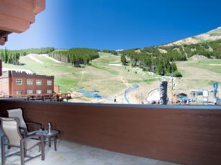 One Ski Hill, 2BR, 2 bath, prime views of ski area - Breckenridge vacation rentals
