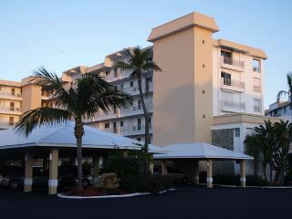 Beautiful Condo with Stunning Gulf View - Fort Myers Beach vacation rentals