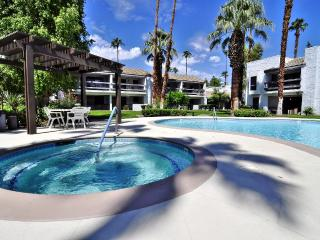 WOW!!! Sweet Palm Springs 2bd/2ba Condo - Palm Springs vacation rentals
