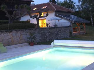 Idyllic Pyrenees cottage, pool, magnificent views - Saint-Beat vacation rentals