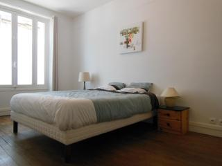 Fully Renovated 2 Bedrooms Apartment with Modern D - Paris vacation rentals