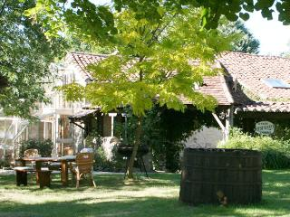Le Magnolia is a great holiday house in Les Arques, Lot, France - Les Arques vacation rentals