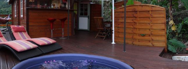 Terrasse en Bois avec jacuzzi - Le Nid d'Amour : Cottage, terrasse en bois et SPA - Les Anses d'Arlet - rentals