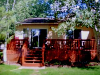 Mountain View Cottage on Golf Course, Large Deck - Flagstaff vacation rentals