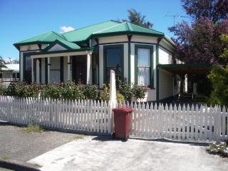 "Martinborough's ""Rose Cottage"" B&B - Martinborough vacation rentals"