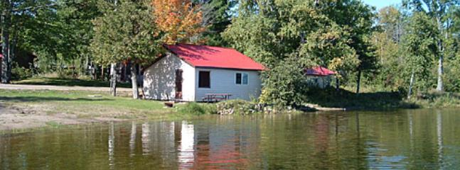 Excellent Sandy Beach - Scenic Marble Lake Lodge Cabins in North Frontenac - Cloyne - rentals