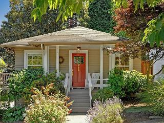 Charming Classic Craftsman in Great Seattle Neighborhood - Live Like a Local! - Seattle vacation rentals