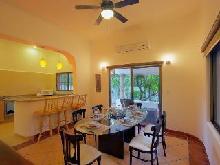 Garden Villa. 4 Bedroom.Garden View.Fully equipped.Free Wifi - Quintana Roo vacation rentals