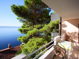 Apartments Vjekoslav - 42581-A6 - Povlja vacation rentals
