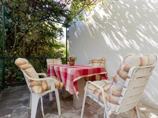 Nice Studio with Internet Access and Television - Sumpetar vacation rentals