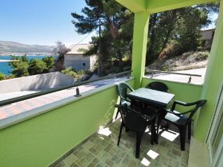 Apartments Pava - 43421-A1 - Okrug Donji vacation rentals