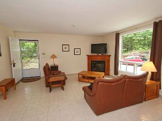 Hilltop Hideaway cottage (#782) - Sauble Beach vacation rentals