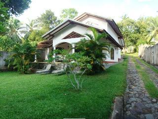 Villa Lokki - 3 Bed Rooms Luxury Villa Hikaduwa - Hikkaduwa vacation rentals