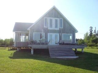 Beautiful 1 bedroom Nova Scotia Cottage with Deck - Nova Scotia vacation rentals