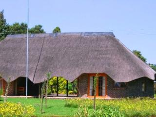 5 bedroom Bed and Breakfast with Internet Access in Piet Retief - Piet Retief vacation rentals